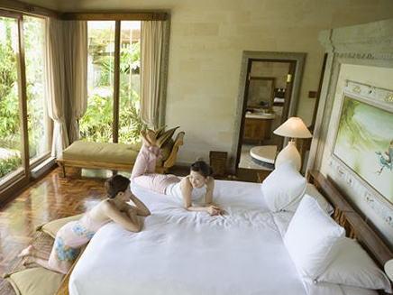 風水で気持ち良く整えた寝室